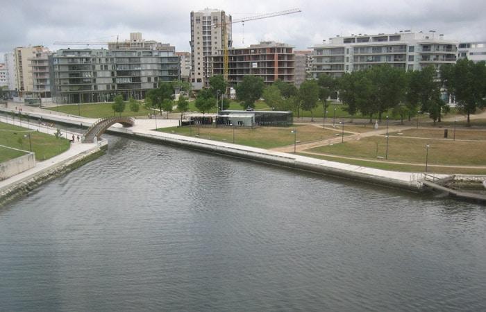 Zona más moderna de la ciudad junto al hotel Meliá Ría.