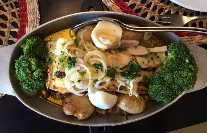 Bacalao a Joao do Porto del Restaurante Bacalhoeiro comer en Oporto