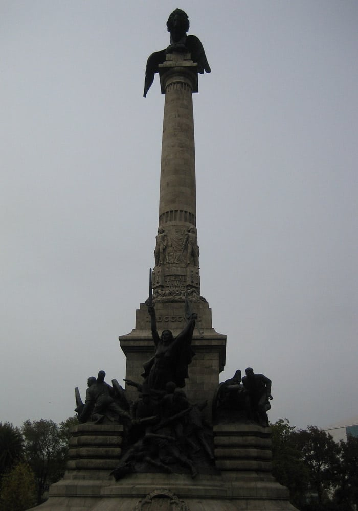 Monumento a la Guerra en el Jardín de Boavista.