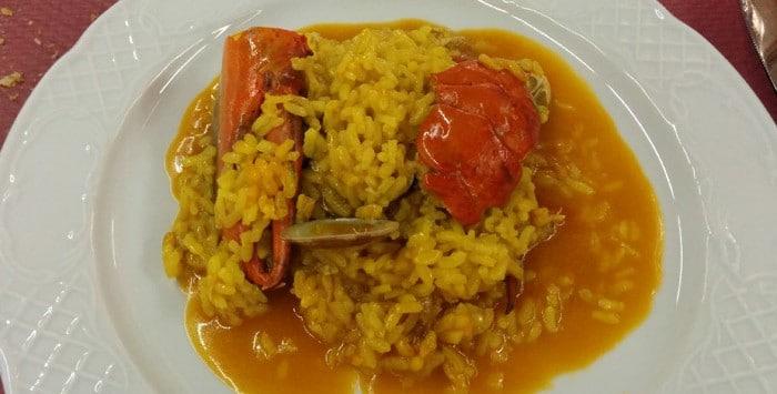 plato-de-arroz-con-bogavante-la-cerezal-ribadesella-asturias
