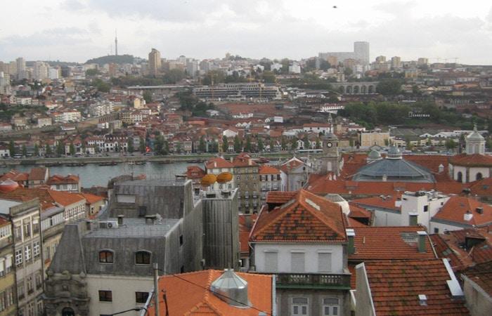 Vista de Vila Nova de Gaia desde el mirador de la rua de Sao Bento de Vitoria que ver en Oporto