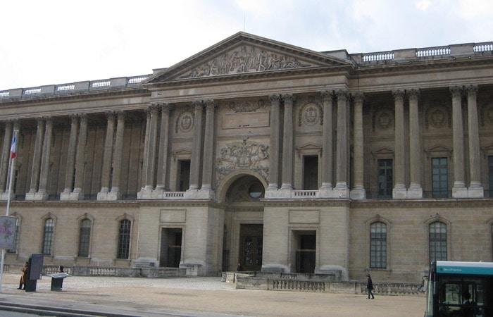 Fachada oriental del Museo qué ver en el Louvre