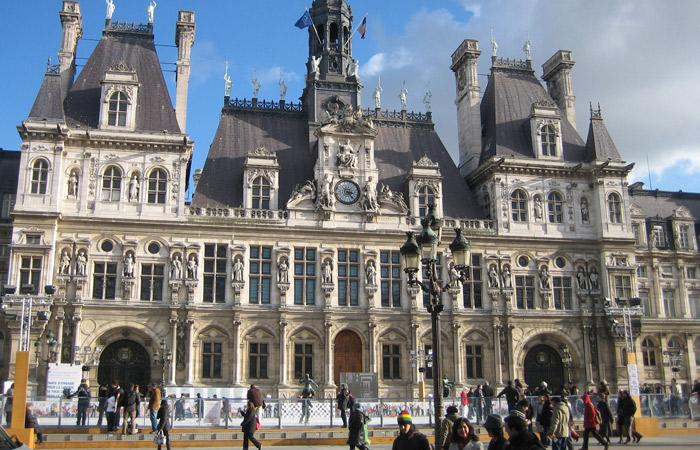 Hotel de Ville París museo del Louvre