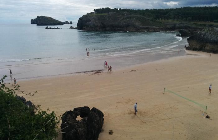 Playa de Palombina en Celorio turismo en Asturias