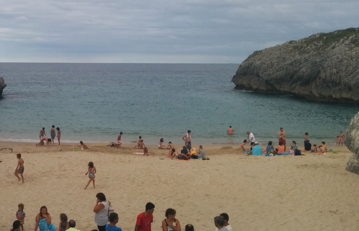 Playa de San Antonio en Nueva turismo en Asturias