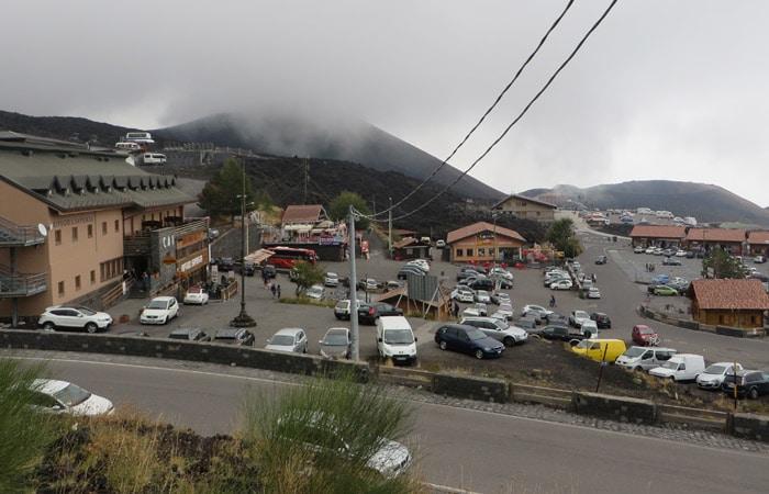 Vista del Refugio Sapienza del Etna