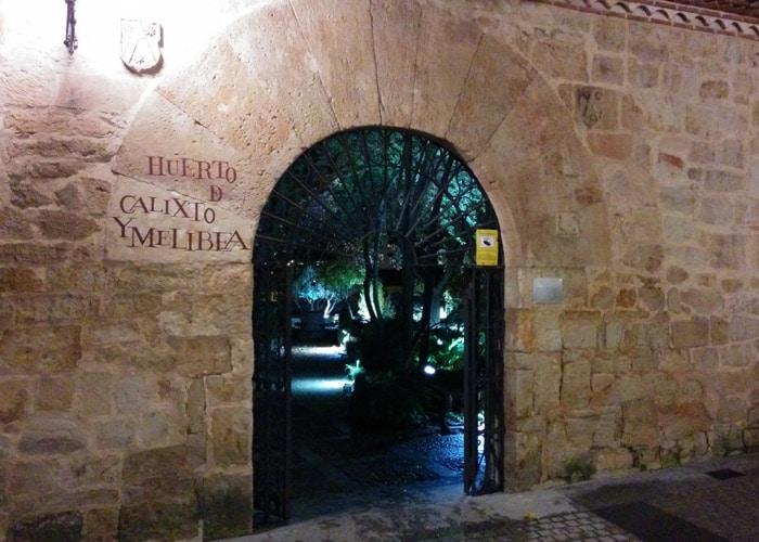 Entrada del Huerto de Calixto y Melibea que ver en Salamanca