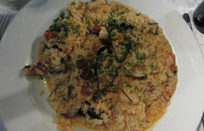 Risotto Frutti di Mare del ristorante Malvasia de Taormina comer en Sicilia