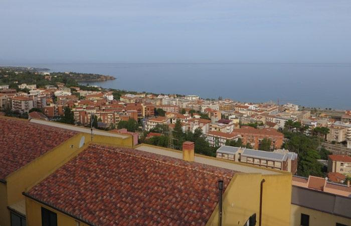 Vista de Cefalú desde el B&B Ma&Mi Sicilia