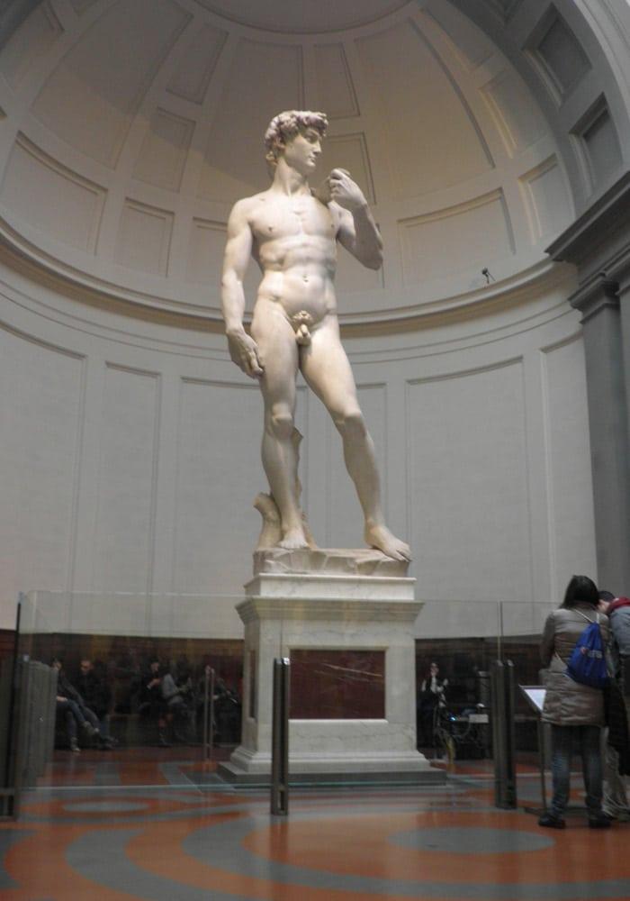 David de Miguel Ángel en la Academia museos de Florencia