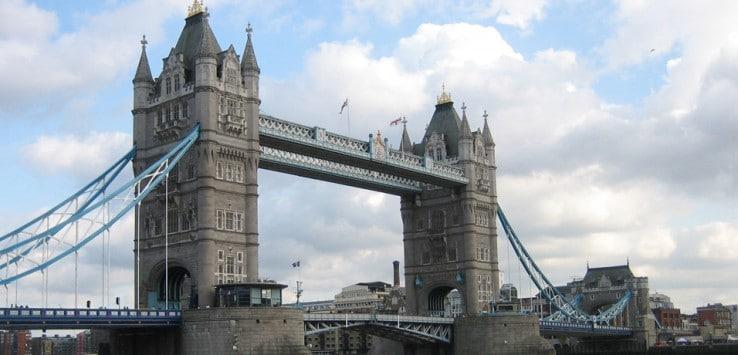Vista del Tower Bridge tres días en Londres
