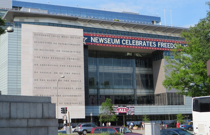 Fachada del Newseum Washington