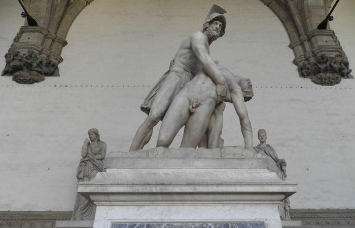 Patroclo e Menelao en la Loggia dei Lanzi de la Piazza della Signoria qué visitar en Florencia