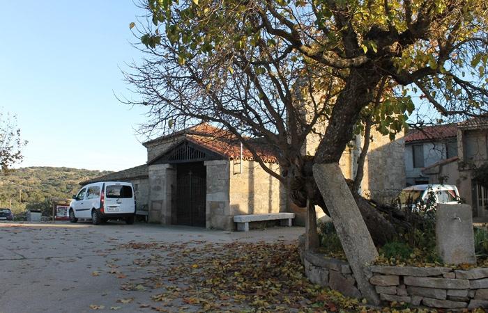 Plaza de la iglesia de Pinilla de Fermoselle