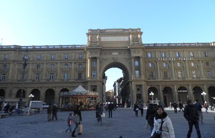 Plaza de la República qué visitar en Florencia