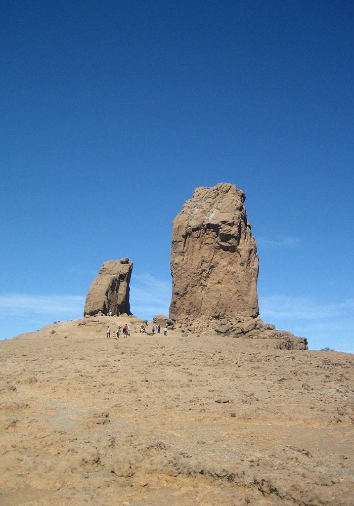 Último tramo de ascensión con el Roque Nublo al fondo