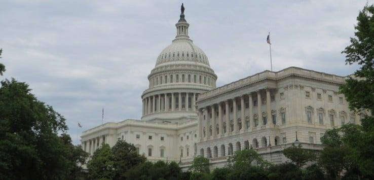 Vista del Capitolio de Washington en un día