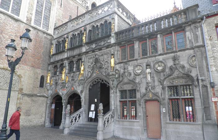 Basílica de la Santa Sangre qué ver en Brujas en un día