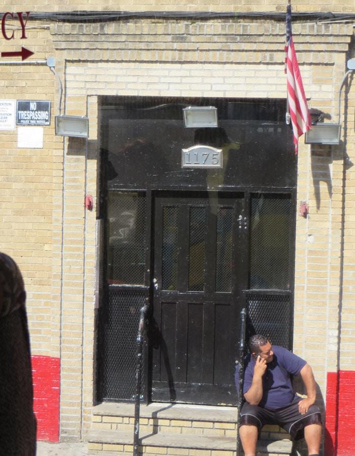 """Casa """"desinfectada"""" en el Bronx contrastes de Nueva York"""