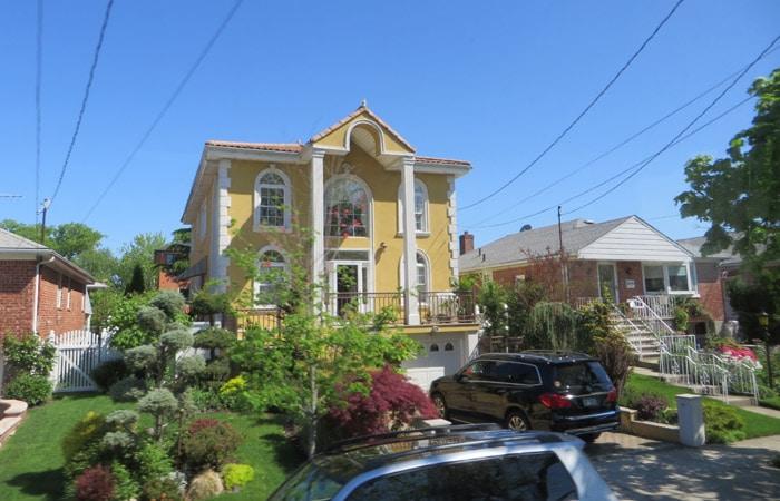Casa unifamiliar en Queens contrastes de Nueva York