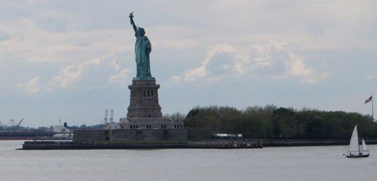 Estatua de la Libertad desde el ferry Staten Island