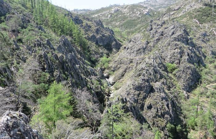 Paisaje escarpado ruta del Jabalí