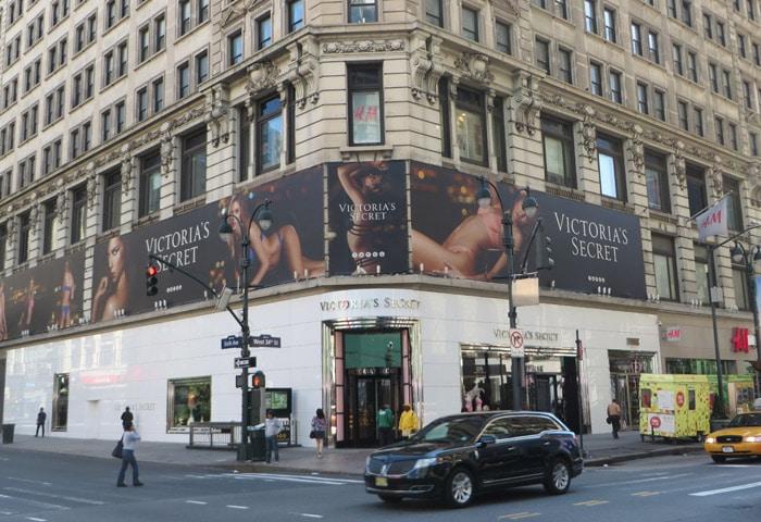 Tienda de Victoria's Secret en la Sexta Avenida con la Calle 34 ferry a Staten Island