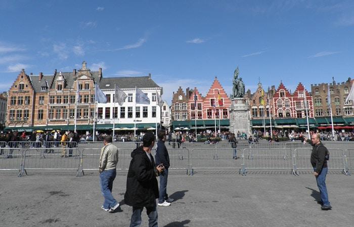 Vista del Markt qué ver en Brujas en un día