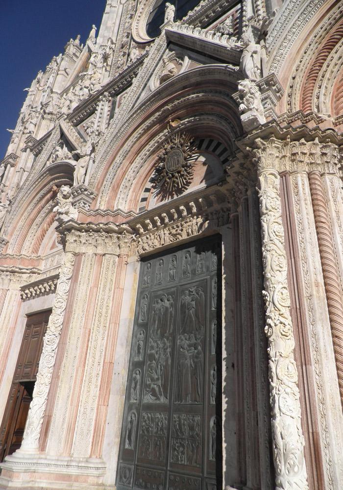 Puerta principal de la Catedral de Siena