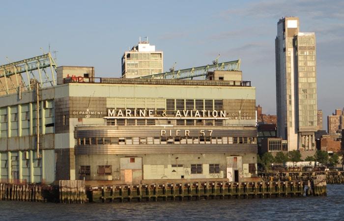 Muelle 57 en el río Hudson paseo en barco por Nueva York