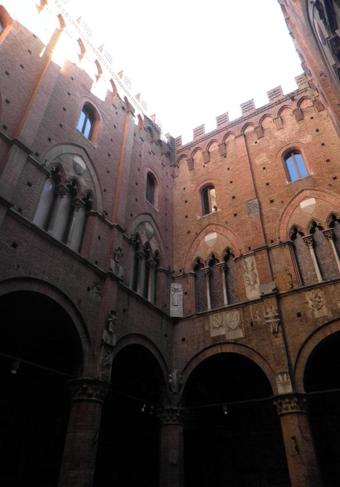 Interior del Palacio Comunal de Siena