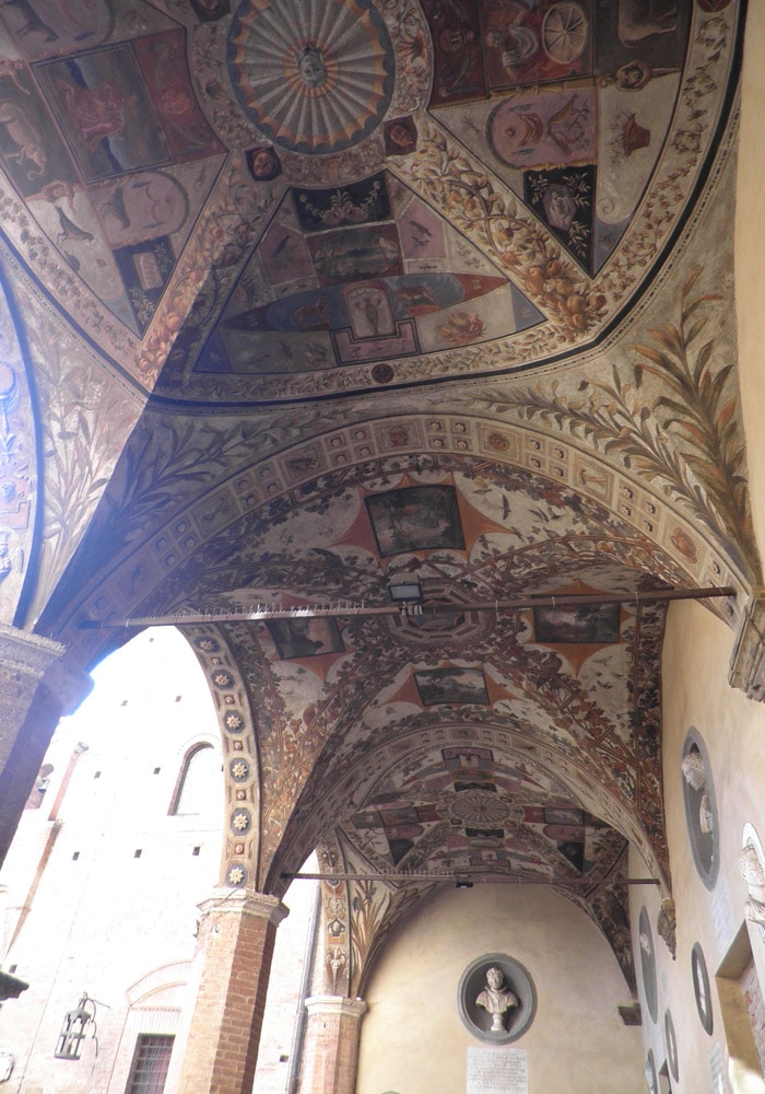 Interior del Palazzo Chigi Saracini de Siena