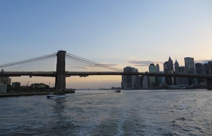 Puente de Brooklyn paseo en barco por Nueva York