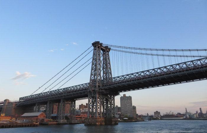 Puente de Williamsburg paseo en barco por Nueva York