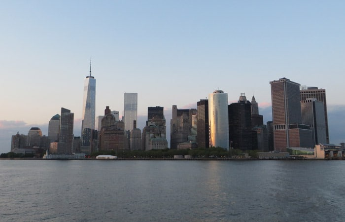 Rascacielos del World Trade Center paseo en barco por Nueva York