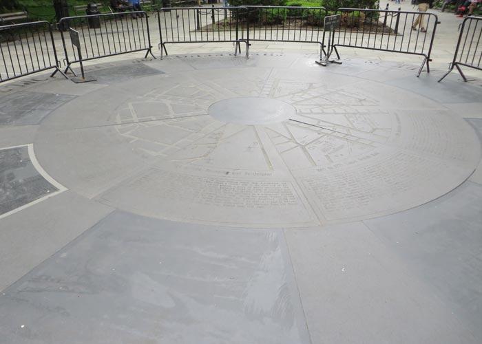 Mosaico en el suelo del City Hall Park