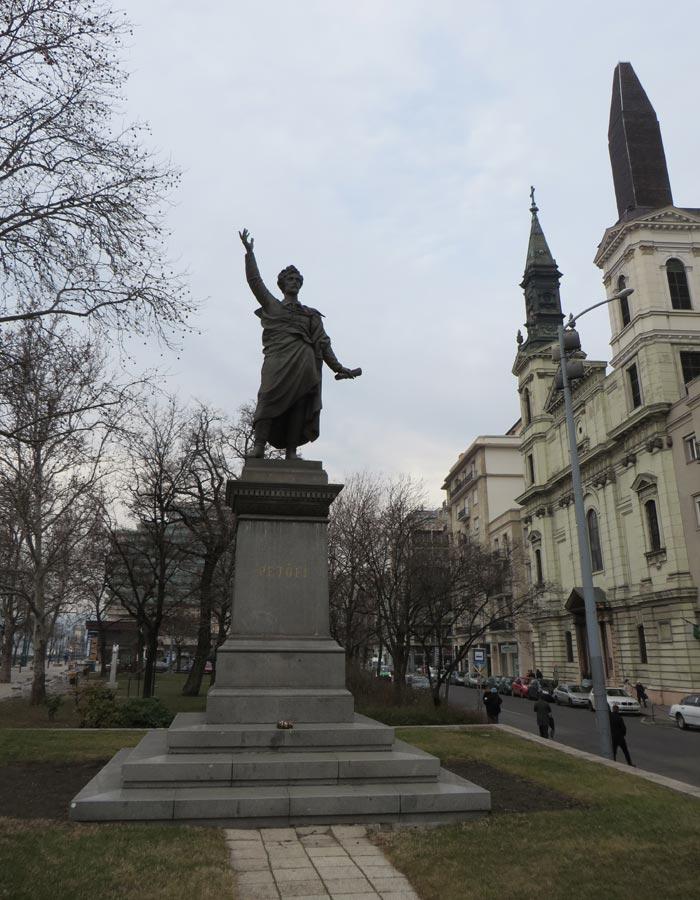 Estatua de Petőfi Budapest