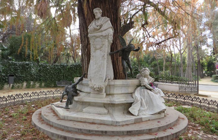 Glorieta de Bécquer en el Parque de María Luisa monumentos de Sevilla