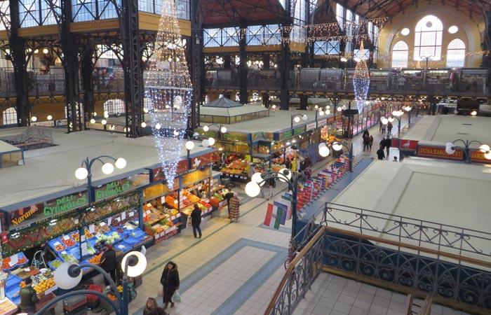 Interior del Mercado Central de Budapest