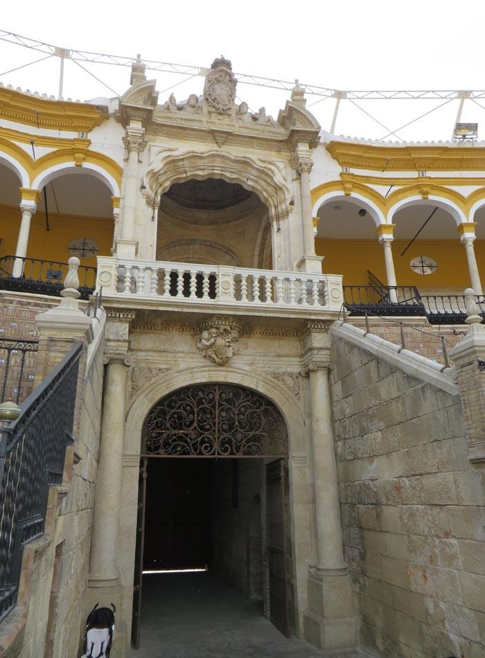 Interior de la Puerta del Príncipe de la Maestranza monumentos de Sevilla