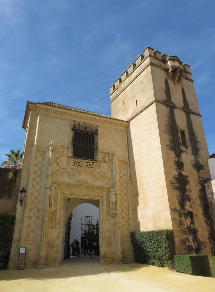 Puerta del Palacio de los Duques de Arcos de los Reales Alcázares monumentos de Sevilla