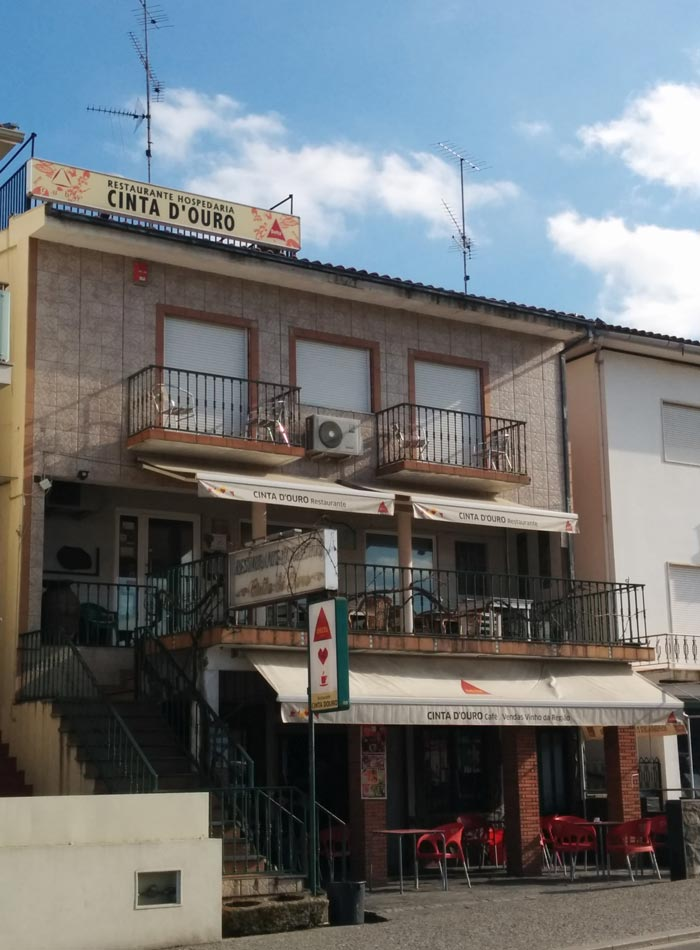 Exterior del Restaurante Cinta D'Ouro comer en Freixo de Espada