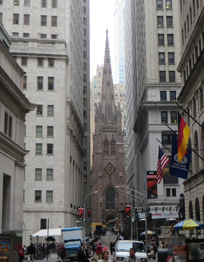 Trinity Church desde Wall Street