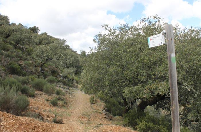 Marcas del GR-10 en la ruta Monsagro rutas por la Sierra de Francia