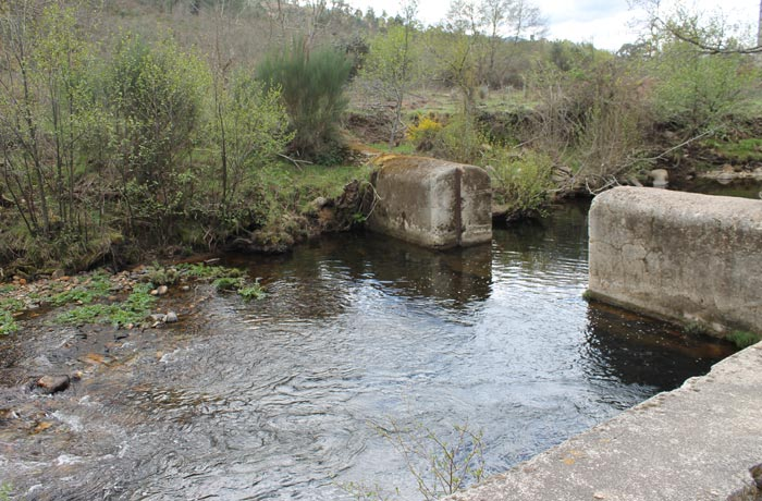 Antigua piscina natural de El Vao Monsagro rutas por la Sierra de Francia