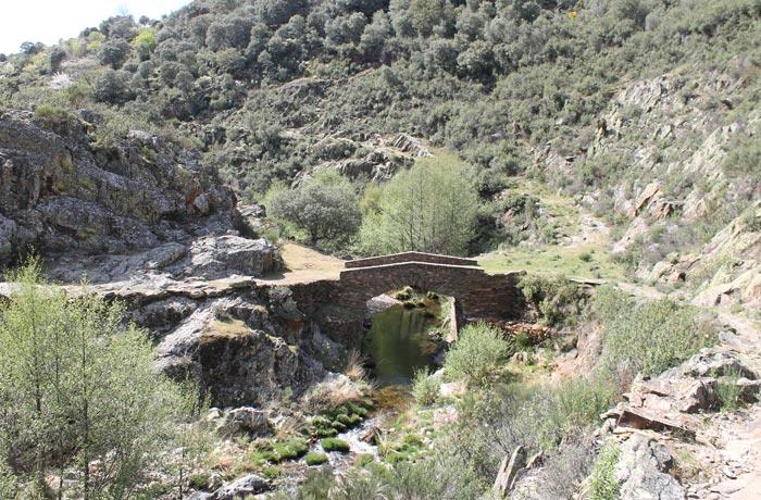Puente del Hurdano Monsagro rutas por la Sierra de Francia