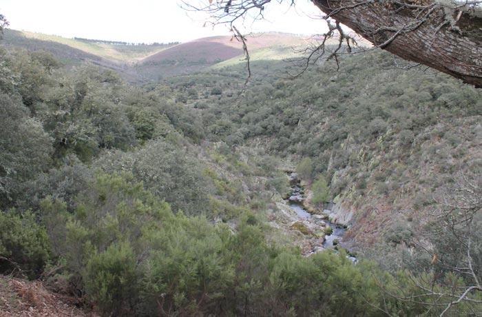 El río Agadón, encajonado durante la ruta rutas por la Sierra de Francia