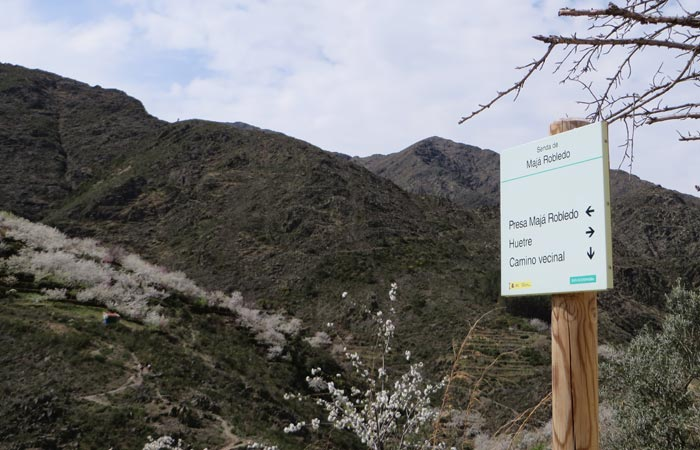 Señalización senda Majá Robledo senderismo en Las Hurdes