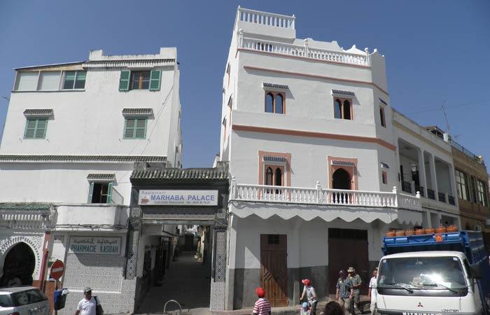 Una calle de la Alcazaba un día en Tánger