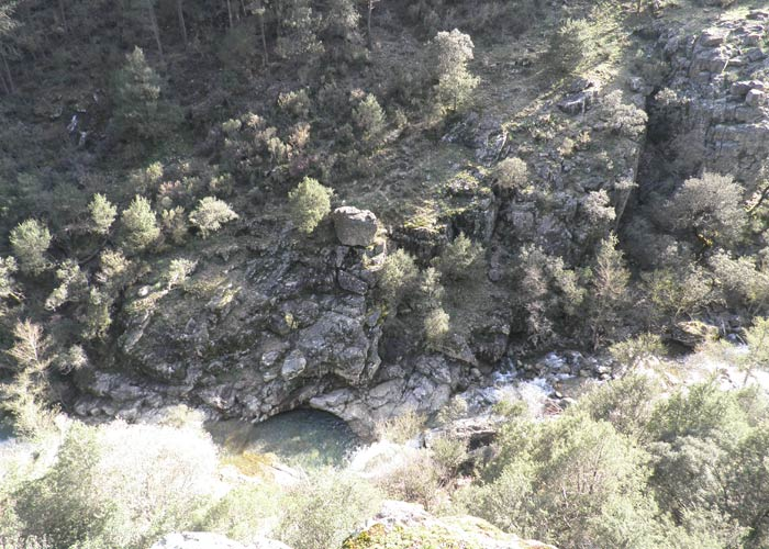 Vista del Arroyo Batuecas desde el Canchal de las Cabras Pintadas Cascada del Chorro